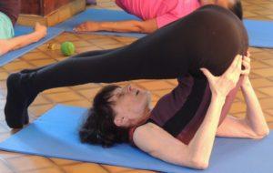 posture de la charrue-cours de yoga
