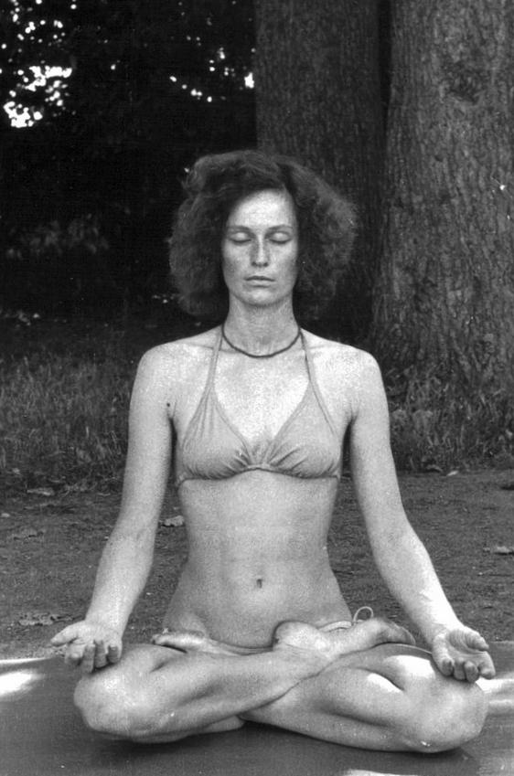 Méditation-en-lotus-été 1980-Yvette Clouet